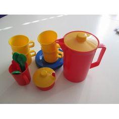 Billede fra http://borneborgen.dk/43-home_default/kaffestel-i-plast.jpg.