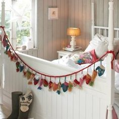 Homemade Advent Calendars For Kids. Fabric stocking advent garland hung from childrens bed. Christmas Love, Christmas And New Year, All Things Christmas, Christmas Holidays, Christmas Bedroom, Christmas Calendar, Christmas Countdown, Handmade Christmas, Homemade Advent Calendars