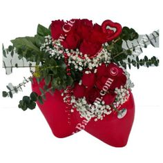Kalbim Hep senin Ynında. Sevginizi Şaşırtın,sevindirin gününüze güzel bir mutluluk katın. Ankara çiçekçilik. http://www.cicekbahcem.com/cicek/urunlere-gore-cicekler/guller/asklarin-en-guzeline-seramik-kalp-vazoda-kirmizi-guller.html