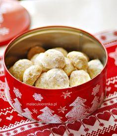Ekspresowe Ciasteczka Śnieżynki - PRZEPIS - Mała Cukierenka First Communion Cakes, No Bake Cookies, Baking Cookies, Polish Recipes, Biscotti, Donuts, Deserts, Dessert Recipes, Food And Drink