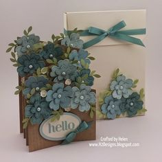 """Something that has been on my """"to do"""" list for a while is a double cascade card, where you basically have two interlocking angled """"z"""" fold c. Fancy Fold Cards, Folded Cards, Hello Craft, Cascading Card, Cascading Flowers, Pop Up Box Cards, Card Boxes, Karten Diy, Handmade Envelopes"""