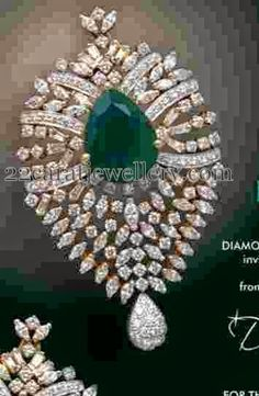 Jewellery Designs: Diamond Locket by Kotharis India Jewelry, Gems Jewelry, Bridal Jewelry, Diamond Necklace Set, Diamond Pendant, Diamond Jewellery, Gold Mangalsutra Designs, Jewellery Designs, Pendant Design