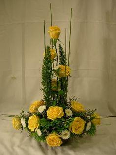 Resultado de imagen para Basic Flower arrangement design