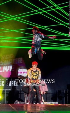 [HD포토]  2PM 준호, '준케이 키보다 더 높이!' (서울걸즈컬렉션) http://bit.ly/WYBaTu pic.twitter.com/YfsO5Ghnk1