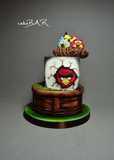 Angry birds by Barbora Cetkovská - cakeBAR Big Cakes, Fancy Cakes, Unique Cakes, Creative Cakes, Pretty Cakes, Cute Cakes, Fondant Cakes, Cupcake Cakes, Angry Birds Cake
