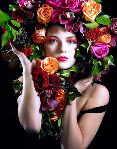 """Huge rose flower crown bridal hair ideas Toni Kami ⊱✿⊰ Flowers in her hair ⊱✿⊰ corona halo ♪♫ Flowers In Your Hair"""" ♫ ♪"""
