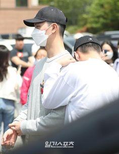 Btob Ilhoon, Lee Changsub, Lee Minhyuk, Beautiful Family, Rap, Captain Hat, Singing, Baseball Hats, Sung Jae