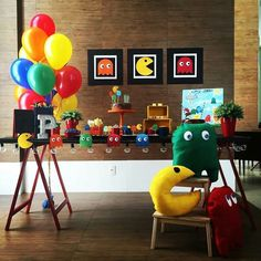80s Birthday Parties, Man Birthday, Birthday Ideas, Happy Birthday, Video Game Party, Party Games, Festa Do Pac Man, Manly Party Decorations, Ideas Decoracion Cumpleaños