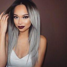 O las raíces oscuras con un gris más claro:   17 Fotos que te darán ganas de teñirte el pelo de gris