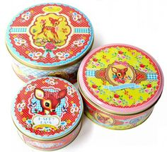 Wu & Wu nesting tins Wu & Wu nesting tins 3 Wu & Wu nesting tins, the largest tin sizes 19 x 9 cm, the middle sized tin 17 x 7.5 and the smallest tine 13.5 x 5.5 cm.   Brand: Wu & Wu Material: tin Size in cm: 19 x 9 €19.95