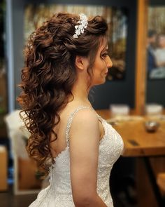 # Wedding Hairstyles for strapless dress Quinceanera Dress Stores, Peinados Pin Up, Quince Dresses, Different Dresses, Different Hairstyles, Brides And Bridesmaids, Bride Hairstyles, Bridal Hair, Your Hair
