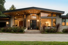 Family Friendly Mid-Century new construction built from the ground up. Modern Exterior House Designs, Dream House Exterior, Modern House Design, Modern Bungalow Exterior, Contemporary House Plans, Modern House Plans, Modern Family House, Modern Houses, Home Building Design