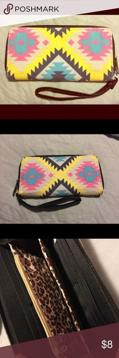Fashion Wristlet Super cool fashion wristlet/wallet. Like new. Multiple pockets with zipper closures. Bags Clutches & Wristlets