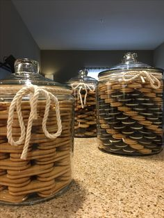 Khloe Kardashian inspired cookie Jars but slightly modified by with swirl patterns in cookies. Kitchen Jars, Kitchen Pantry, Kitchen Decor, Kitchen Organization Pantry, Home Organisation, Organization Ideas, Glass Cookie Jars, Glass Jars, Khloe Kardashian