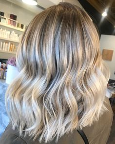"1,133 Likes, 16 Comments - Mane Interest (@maneinterest) on Instagram: ""Low maintenance Bronde. Color by @kieraandtheglamour #hair #hairenvy #hairstyles #haircolor…"""