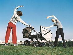 Questa simpatica galleria fotografica vi spiegherà, passo dopo passo, come rimettervi in forma con... il passeggino! Dalla passeggiata quotidiana ad esercizi più mirati.