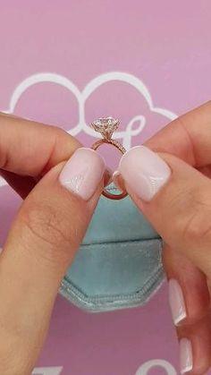 Bride Nails, Wedding Nails, Wedding Rings, Wedding Band Sets, Cute Engagement Rings, Halo Diamond Engagement Ring, Stylish Jewelry, Ring Verlobung, Dream Ring