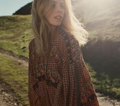 Dôen: A Bohemian Brand with a Unique Twist | Dôen is a bohemian brand from California with a unique business model based on ethics and empowering women. Feminine and vintage inspired clothes to wear by the beach. Click on the image to find out more!