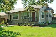 Colonial bungalow duplex/triplex rentals. *Hard to find, but definitely better than an apartment or condo*