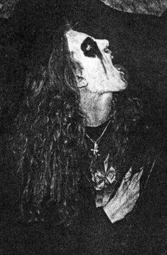 Per Yngve Ohlin (Dead). Rest in the dust, in the transylvanian ground, Pelle. Black Metal, Kerry King, Metal T Shirts, Extreme Metal, Heavy Metal Music, Dark Photography, Metal Artwork, Thrash Metal, Alice