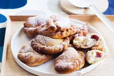 The calzone of sweets, these raspberry and ricotta filled Panzerotti's are oozing with flavour, the perfect finishing touch on your home-cooked Italian supper. Best Italian Recipes, Italian Desserts, Favorite Recipes, No Bake Desserts, Dessert Recipes, Candy Recipes, Dessert Ideas, Delicious Magazine Recipes, Raspberry Recipes