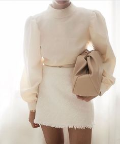 All white everything Credit: 80s Fashion, Korean Fashion, Fashion Outfits, Womens Fashion, Fashion Trends, Fashion Boots, Fashion Tips, Classy Outfits, Stylish Outfits