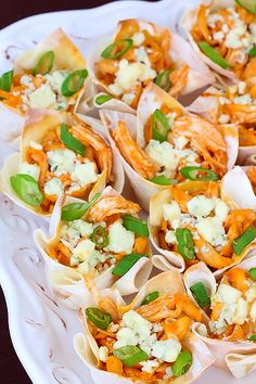 Buffalo Chicken Cups... yum!