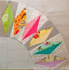 Diamond patchwork block, clever effect with fabric texture and colour. Patchwork Quilting, Scrappy Quilts, Quilting Tutorials, Quilting Projects, Quilting Designs, Paper Piecing Patterns, Quilt Block Patterns, Dresden Plate Patterns, Star Quilt Blocks