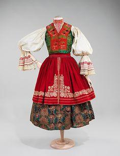 traditional slovak folk costume 1840 -1880  - Slovak ensemble (Metropolitan museum)