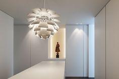Con esta casa, el estudio de arquitectura CUBYC quiso crear una vivienda mediante un juego continuo de volúmenes unidos que interactuasen entre sí