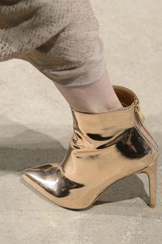 Nicholas K at New York Fashion Week Fall 2017 - Details Runway Photos Gold Fashion, Leather Fashion, Fashion Shoes, Fab Shoes, Gold Shoes, Shoe Boots, Ankle Boots, Shoes World, Killer Heels