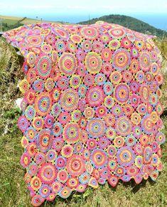 Kissing Circles Crochet Blanket Crochet pattern by Amanda Perkins | Knitting Patterns | LoveKnitting