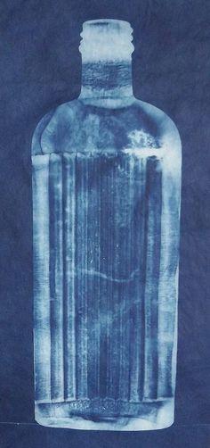 Lynnette Miller - Cyanotype of an Old Bottle Old Bottles, Vintage Bottles, Antique Bottles, Vintage Perfume, Antique Glass, Perfume Bottles, Cyanotype Process, Sun Prints, Photo Processing
