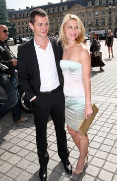 Pin for Later: We're Not the Only Ones Who've Noticed How Gorgeous Hugh Dancy Is  With Claire Danes