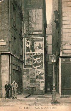 Paris - Alley Cat All which fishing - or smaller street view of Paris Quai Saint-Michel in 1900 Antique Photos, Vintage Pictures, Old Pictures, Old Photos, Paris Photography, Vintage Photography, Interior Bohemio, Paris 1900, Paris Rue