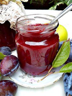 Mnogi se pitaju kako da pripreme džem od šljiva bez šećera?!   Najbitnije je da birate zrele plodove jer su oni najslađi.   Takođe,...