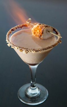 12 of the Best Autumn Cocktail Recipes. This S'mores cocktail looks so yummy!