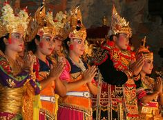 Traditional dance at palace