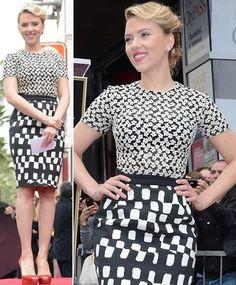 Scarlett Johasson arrasa na tendência mix de estampas. Confira o look!