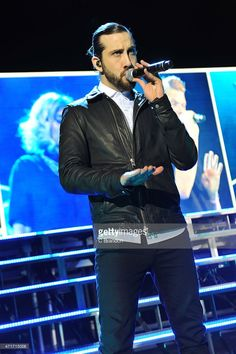 Avi Kaplan of Pentatonix performs on stage at the Eventim Apollo on April 2015 in London, United Kingdom Mitch Grassi, Pentatonix Avi, Scott Hoying, All About That Bass, Keyshia Cole, James Brown, Attractive People, Man Crush, Actors & Actresses