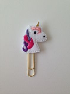Felt Unicorn Paperclip Cute Mythical Animal von PigtailsandPockets