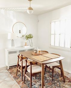 32 Fabulous Contemporary Dining Room Decorating Ideas - The latest trends, the newest styles, ah, this is what makes the world go around. Contemporary dining room sets can help you to make a statement about. Mid Century Modern Dining Room, Small Dinning Room Table, Small Dining Area, Rug In Dining Room, Dining Table Rug, Dining Room Modern, Small Dining Table Apartment, Small Dining Room Furniture, Colored Dining Chairs