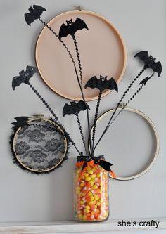 She's crafty: Glittery Bats Halloween MichaelsStores Halloween 2013, Halloween Bats, Halloween Projects, Holidays Halloween, Vintage Halloween, Happy Halloween, Halloween Decorations, Halloween Ideas, Holiday Crafts