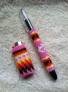 Native American Beaded pens | ... Native American Bead Work - Peyote Stitch Beaded lighter & pen covers