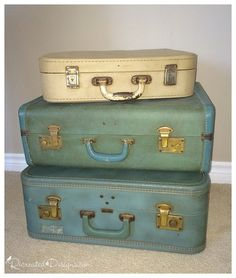 Vintage Suitcase Side Table - If only they could tell of the places they have been... To see more pictures and the directions, visit the full post at... To see more: http://www.recreateddesigns.com/2016/02/vintage-suitcase-side-