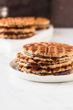mbakes: waffle iron stroopwafels
