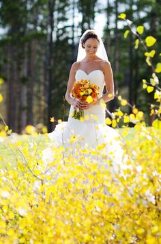 beautiful photo of the bride in Breckenridge Colorado, photos by Kira Horvath Photography | junebugweddings.com