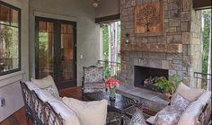 Walnut Cove Chateau: Porch