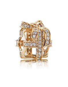 Celebrate unforgettable memories with an All Wrapped Up in Gold PANDORA Openwork Charm, featuring gold and cubic zirconias. Shop your Pandora Sale here. Pandora Charms, Pandora Christmas Charms, Pandora Gold, Pandora Beads, Pandora Rings, Pandora Bracelets, Pandora Jewelry, Charm Jewelry, Gold