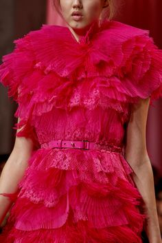 Nina Ricci | Spring 2011 Ready-to-Wear Collection | Style.com